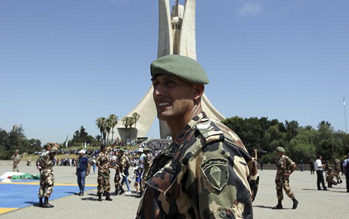 الجزائر: 18 ولاية تحت الحصار والجيش يتدخل (فيديو)