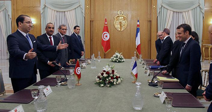 الرئيس الفرنسي في زيارته إلى تونس، الأربعاء 31 يناير/ كانون الثاني 2018
