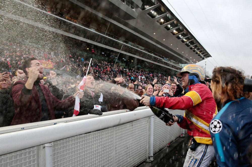 بعد فوزه في سباق الخيل سباق الجائزة الكبرى Grand Prix d'Amerique horse race في باريس، فرنسا  28 يناير/ كانون الثاني 2018