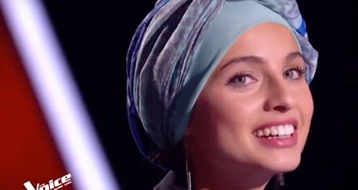 فتاة سورية في برنامج ذا فويس بنسخته الفرنسية