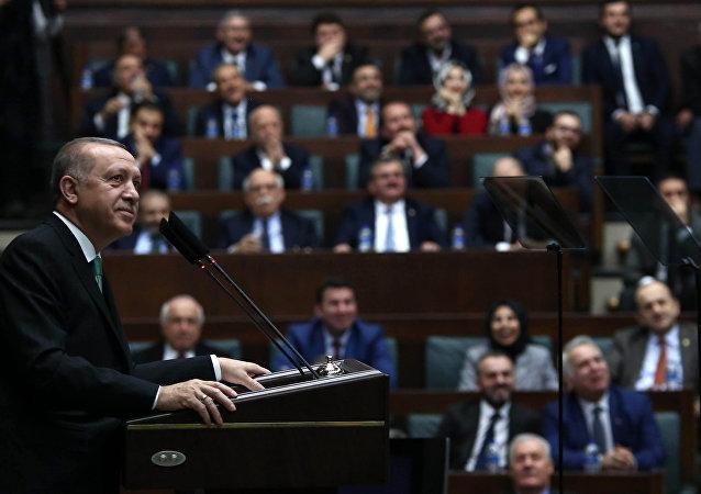 الرئيس التركي رجب طيب إردوغان يلقي خطاب أمام البرلمان التركي