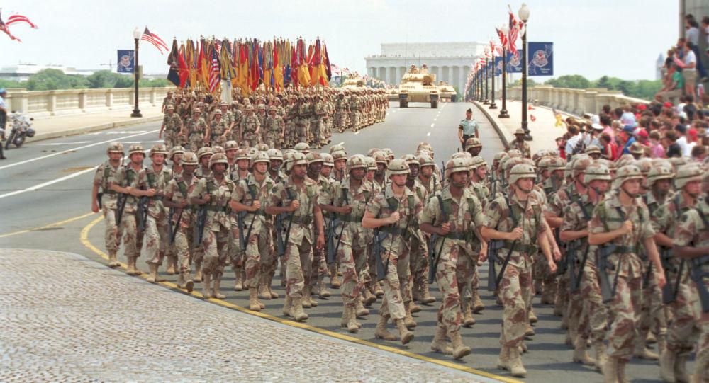 عرض عسكري بمناسبة عيد النصر الوطني في واشنطن احتفالا بانتهاء حرب الخليج، الولايات المتحدة 8 يونيو/ حزيران 1991