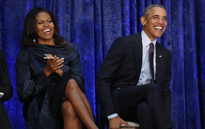 باراك أوباما ضيف أولى حلقات برنامج زوجته الإذاعي