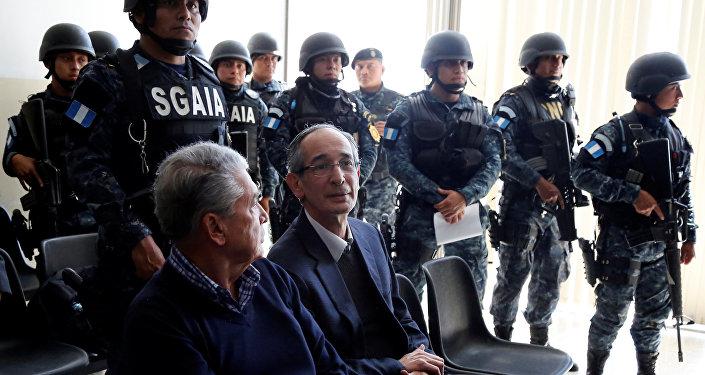 ألفارو كولوم خلال محاكمته