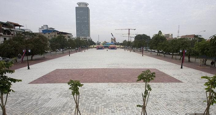 ساحة الديمقراطية وسط مدينة بنوم بنه عاصمة كمبوديا