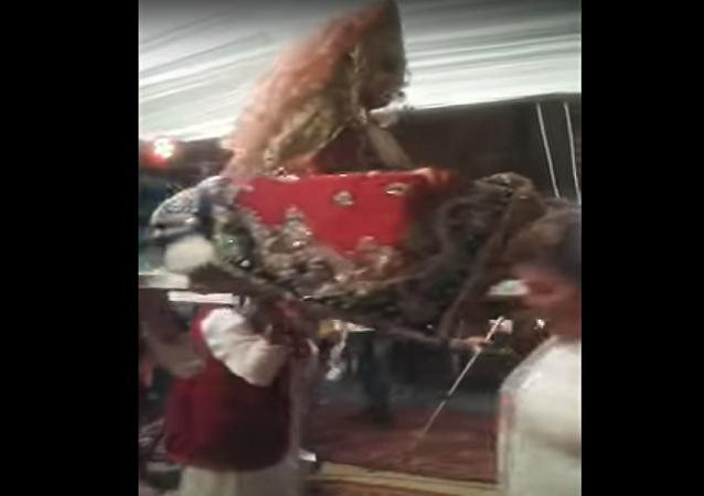 سقوط عروس مغربية