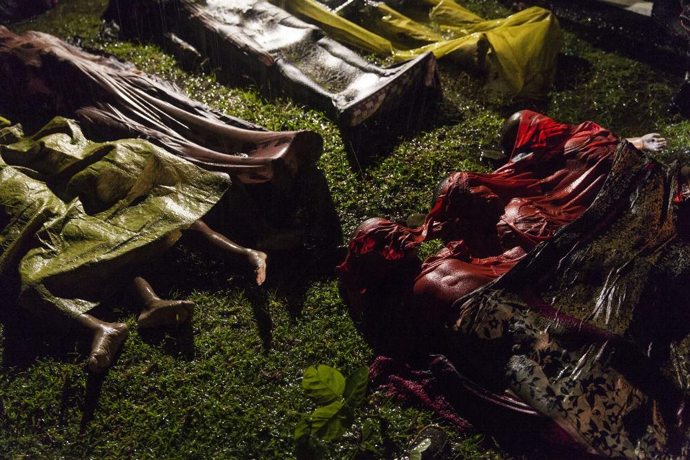 مسابقة صورة الصحافة العالمية لعام 2018 - صورة بعنوان أزمة الروهينغا، للمصور باتريك براون، في فئة التصوير صورة الصحافة العالمية لهذا العام