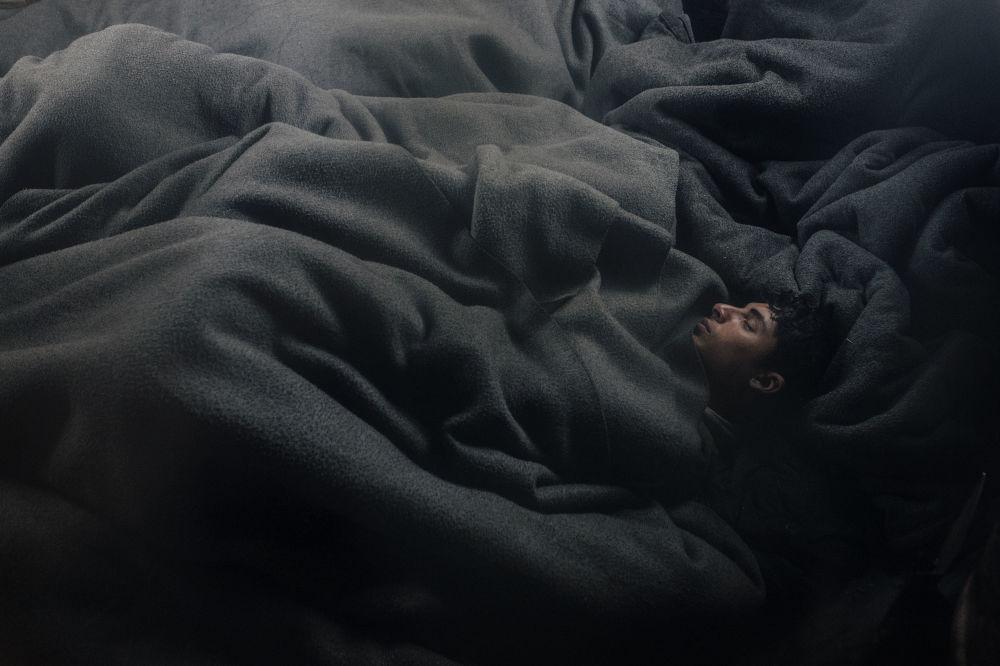 مسابقة صورة الصحافة العالمية لعام 2018 - صورة بعنوان الأحياء في ليمبو للمصور فرانتشيسكو بيستيلي، في فئة التصوير أخبار عامة