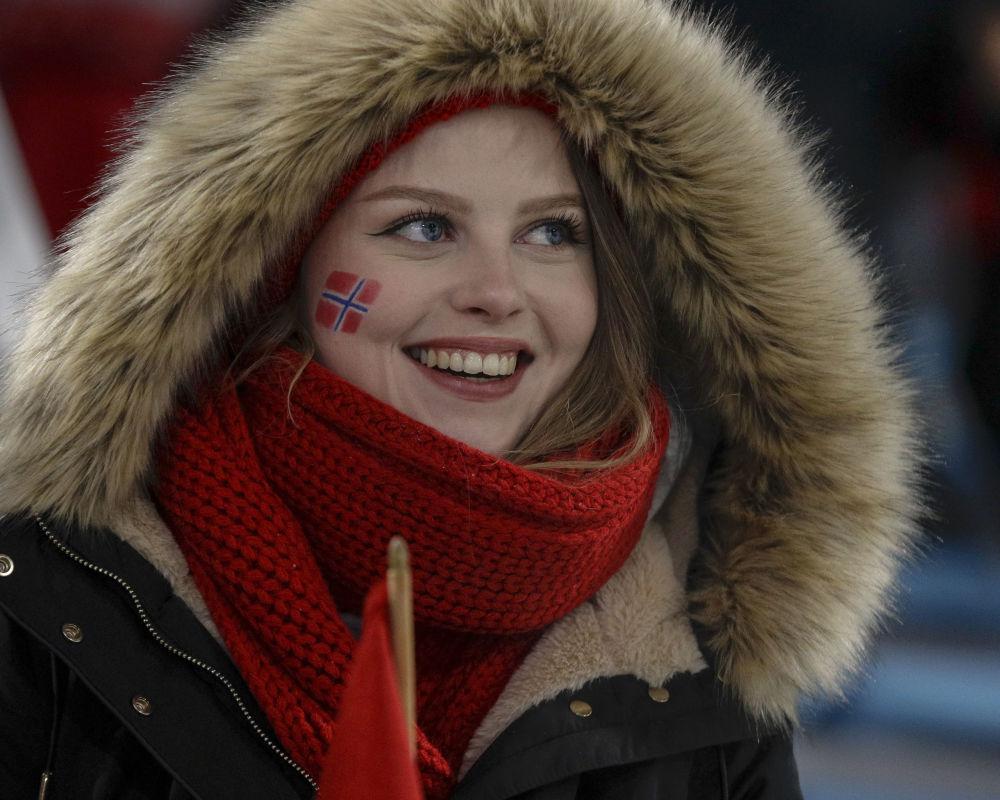 مشجعة من النرويج