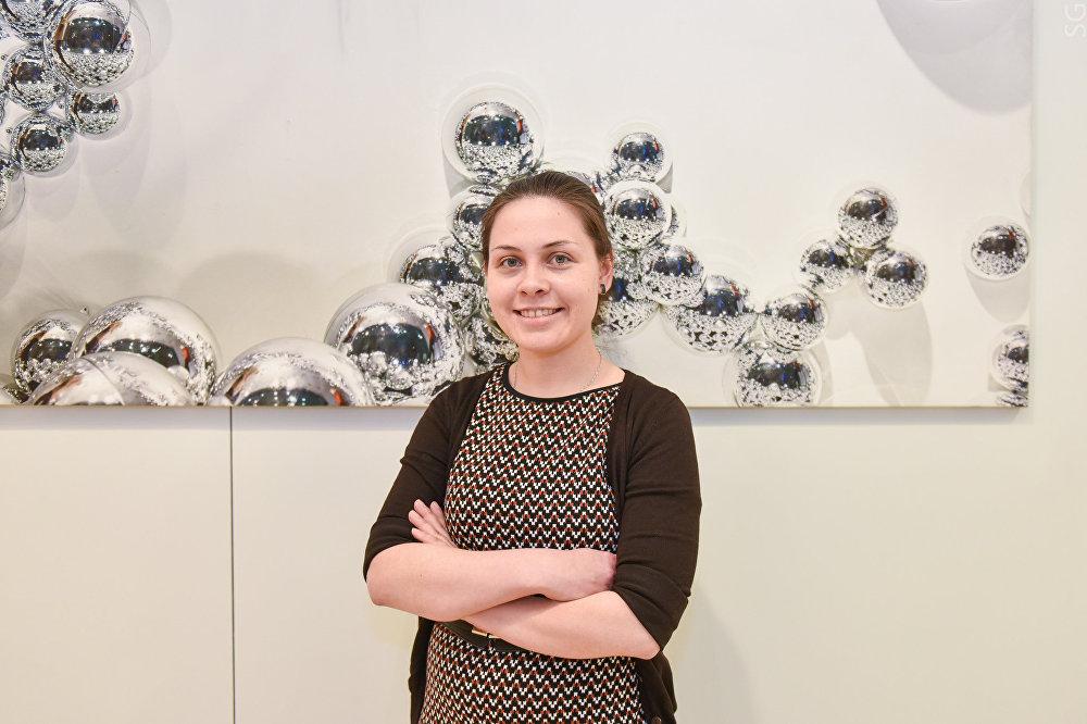 إليزافيتا بيرمياكوفا إحدى المشاركات في المشروع، وهي طالبة دراسات عليا في المختبر