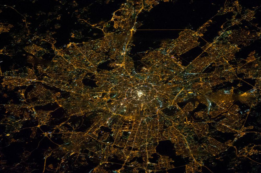 صورة التقطتها محطة الفضاء الدولية لمدينة موسكو ليلا، 29 ينالير/ كانون الثاني 2014