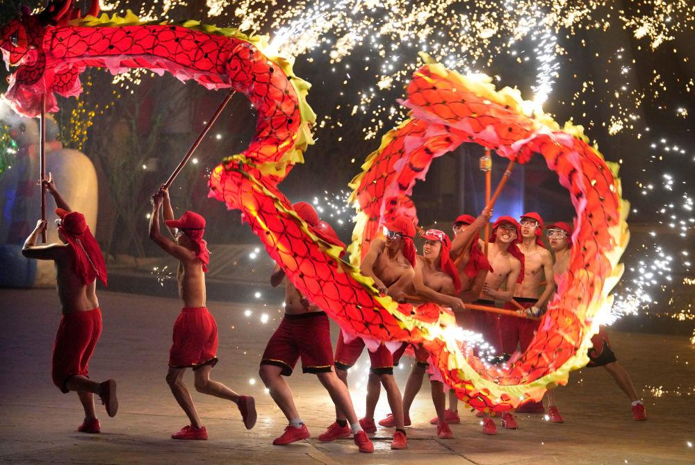 احتفالات برأس السنة الصينية في بكين، الصين 18 فبراير/ شباط 2018