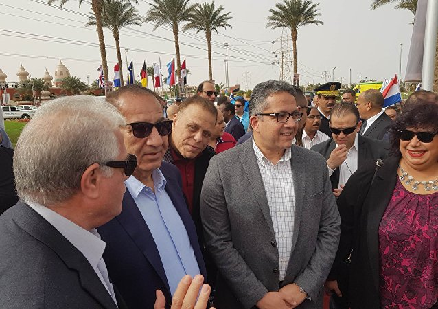 وزير الآثار المصري خالد العناني في الغردقة في 23 فبراير / شباط 2018