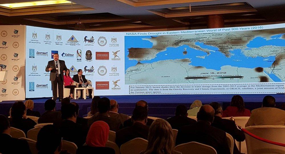 العالم المصري الدكتور هشام العسكري في الأقصر في 26 فبراير / شباط 2018