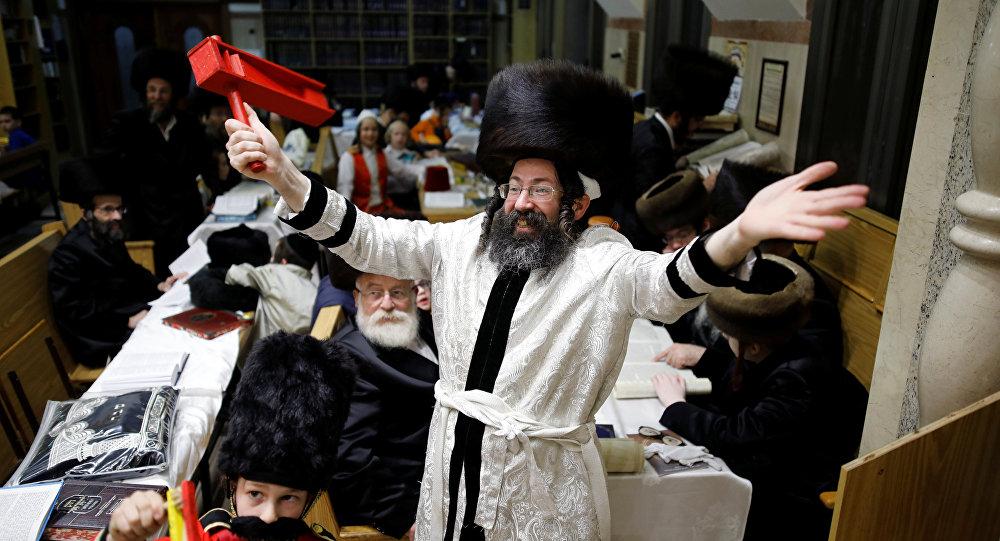 من مظاهر الاحتفال بعيد المساخر في إسرائيل