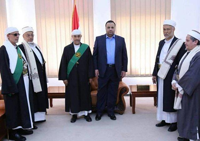 الأعضاء الجدد في المحكمة العليا باليمن يؤدون اليمين الدستورية أمام صالح الصماد رئيس المجلس السياسي الحاكم في صنعاء