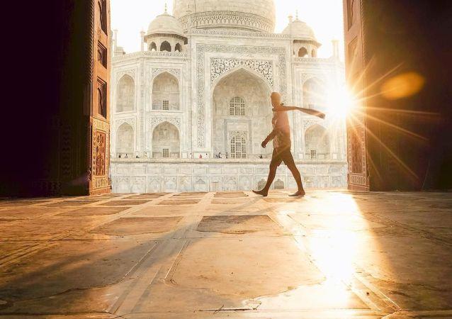 صورة في الهند لمشروع تصوير بعيدا عن البيت