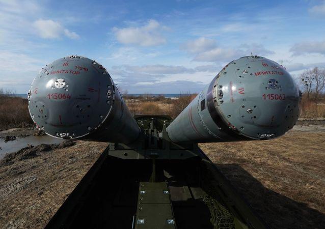 مناورات تكتيكية للقوات الصاروخية التابعة لأسطول بحر البلطيق باستخدام المنظومة الدفاعية الصاروخية باستيون المضادة للسفن في حقل التدريبات خميليوفكا
