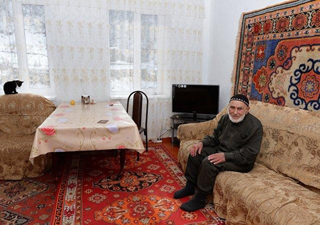 مواطن روسي بعمر 122 عاما يدلي بصوته