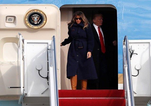 ميلانيا مع دونالد ترامب