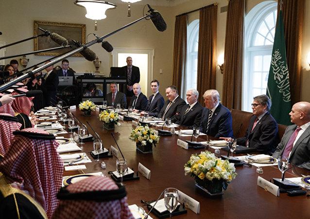 اجتماع ولي العهد محمد بن سلمان مع إدارة ترامب