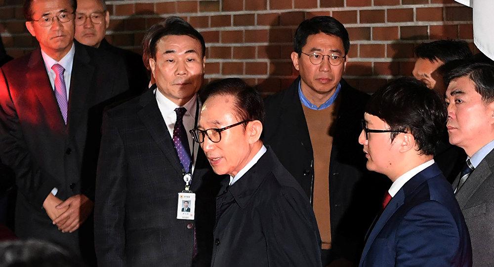 الرئيس الكوري الأسبق أثناء اقتياده للسجن 22 مارس/ آذار 2018
