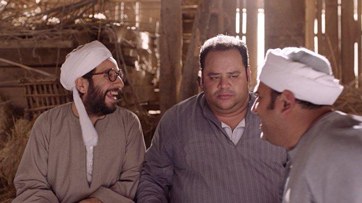 الممثلان المصريان أحمد أمين ومحمد ممدوح في لقطة من مسلسل الوصية