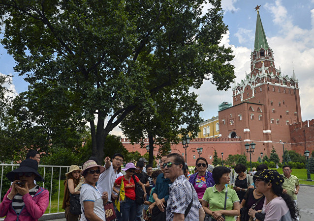 سياح في العاصمة الروسية موسكو
