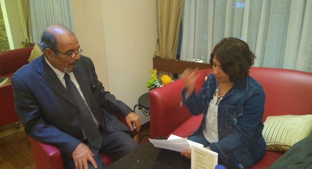 حوار سبوتنيك مع مترجم القذافي