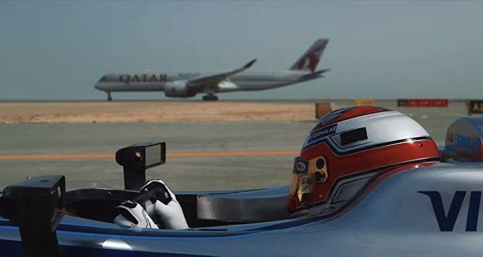 سباق سيارة فورمولا 1 و طائرة بوينغ