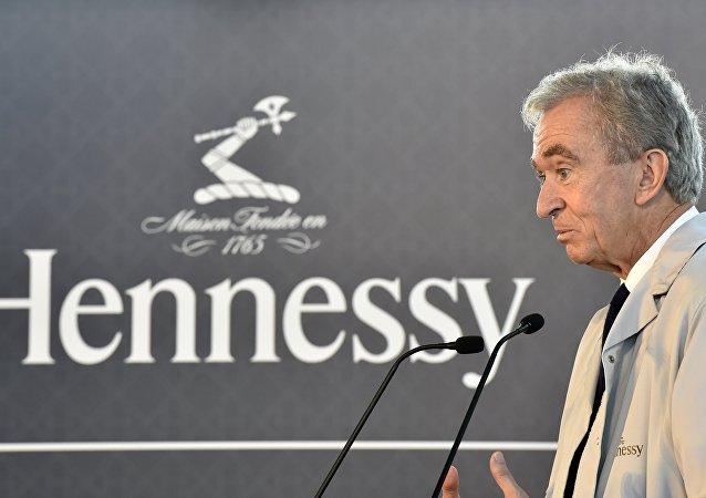 برنار أرنولت رئيس شركة  لويس فيتون مويت هينيسي