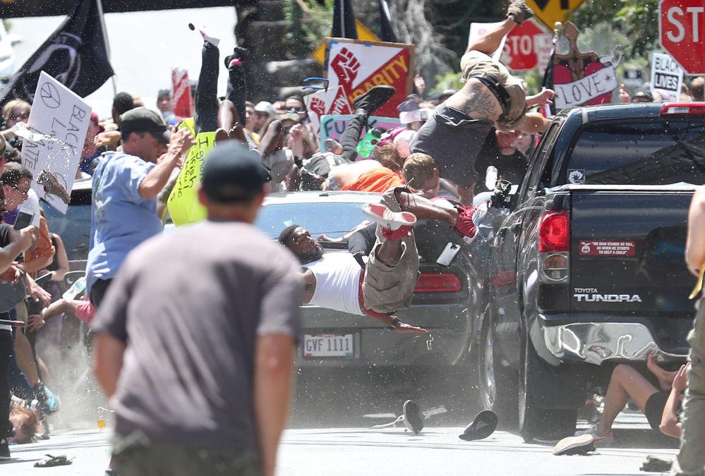 مسابقة صور الصحافة العالمية لعام 2018 - صورة بعنوان هجوم سيارة، للمصور ريان كيلي من بريطانيا، الفائزة بالمرتبة الثانية في فئة أخبار الحدث