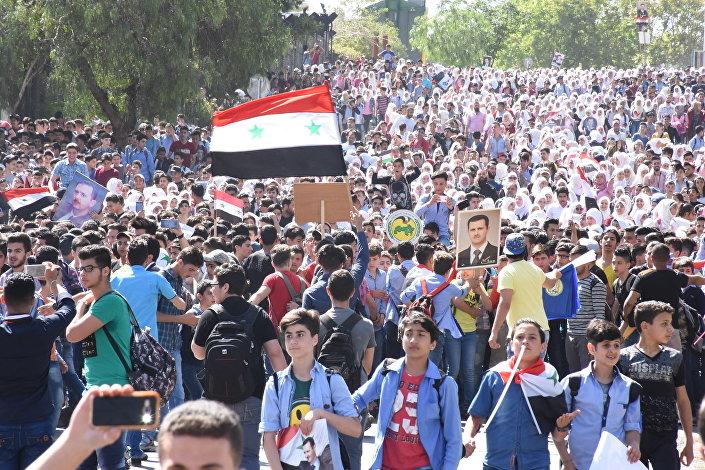 مظاهرة حاشدة في ساحة الأمويين بدمشق