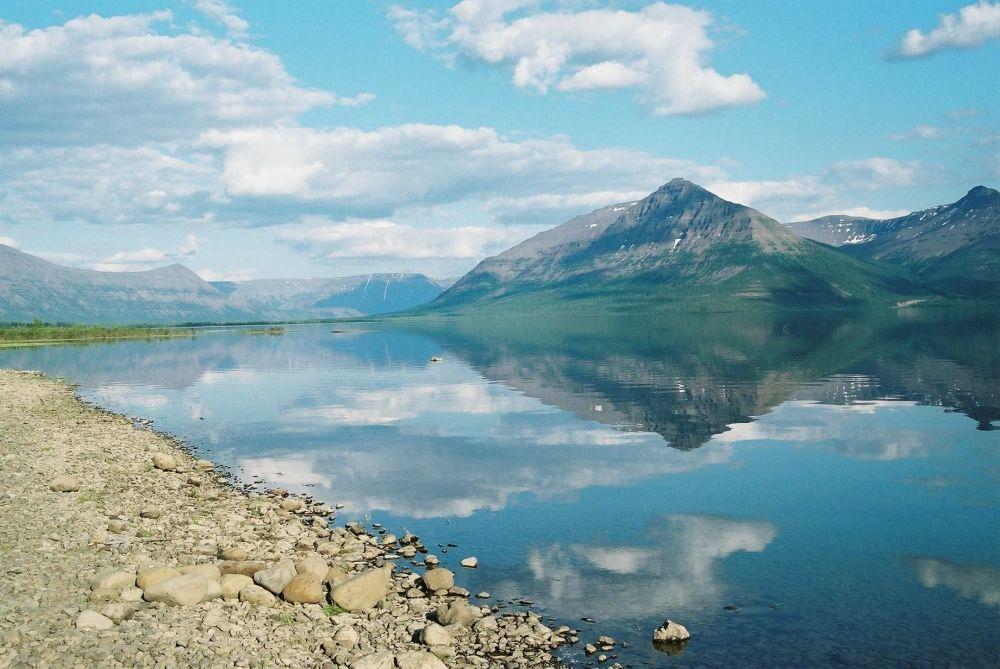بحيرة لاما في روسيا