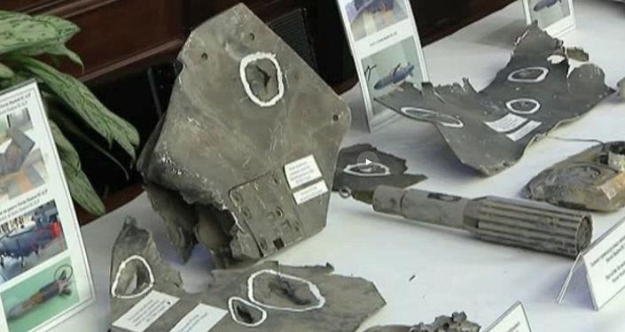 حطام الصواريخ التي ضربت سوريا