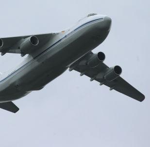 طائرة ان-124