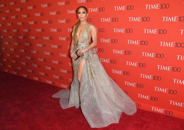 المغنية جنيفر لوبيز خلال حضورها لحفل TIME 100 Gala تكريما لـ تكريما لأكثر 100 شخص نفوذا في العالم  في نيويورك، الولايات المتحدة الأمريكية 24 أبريل/ نيسان 2018