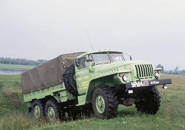 سيارة أورال4320
