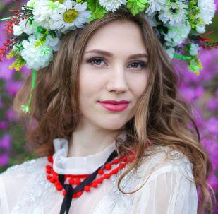 المشاركات في مسابقة جمال ملكة ربيع بيلاروسيا - يانا شادرينا