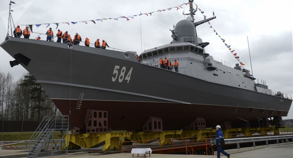 إطلاق سفينة حاملة صواريخ شكفال في سان بطرسبورغ