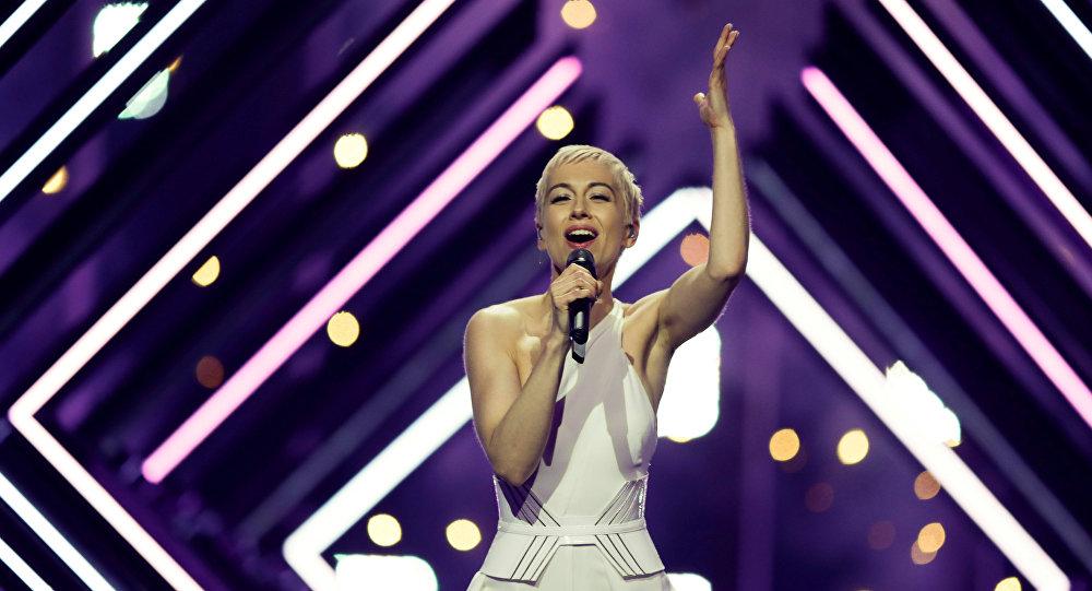 المغنية البريطانية سوري في حفل يوروفيجن الغنائي، 12 مايو/أيار 2018