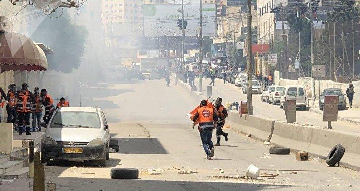 اشتباكات عند حاجز قلنديا المؤدي لمدينة القدس، جنوب رام الله، الضفة الغربية، فلسطين 14 مايو/ أيار 2018