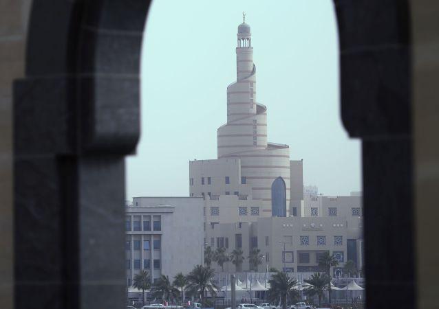 سوق تجاري بالقرب من المركز الثقافي الإسلامي فنار في الدوحة