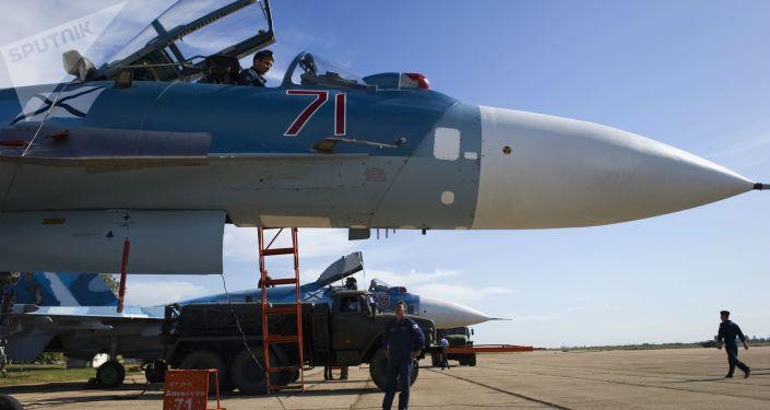 مقاتلة سو-33 متعددة المهام خلال التدريبات في القرم