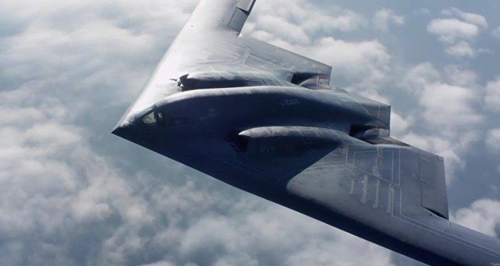 قاذفة القنابل الخفية بي-2