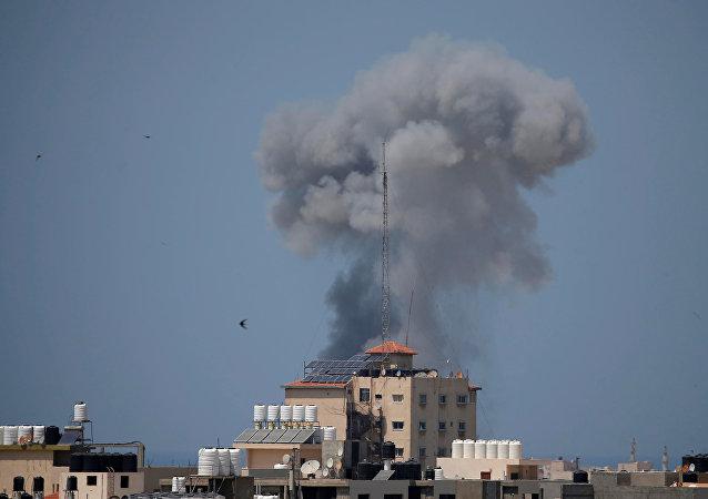 قصف جوي إسرائيلي على عدة مواقع في قطاع غزة