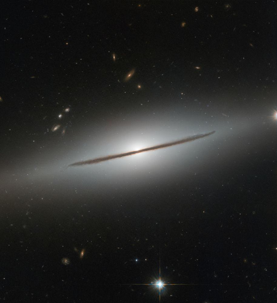 مجرة  NGC 1032 في كوكبة قيطس، التقطت بواسطة تلسكوب هابل