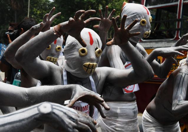 المتظاهرون خلال مظاهرة ضد التدخين في كلكتا، الهند 31 مايو/ أيار 2018