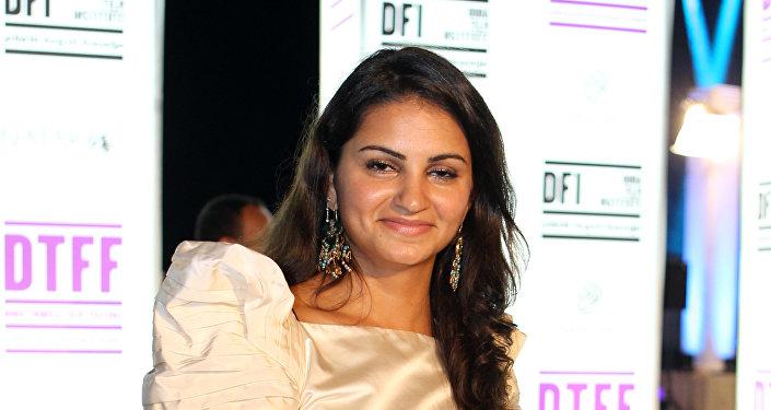 الممثلة والمخرجة السعودية عهد كامل