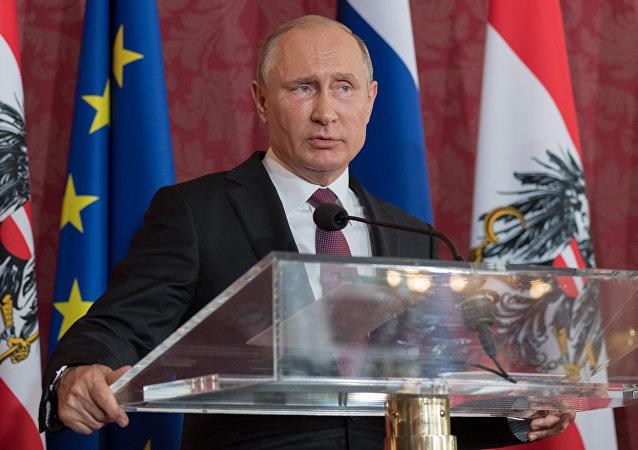 الرئيس الروسي فلاديمير بوتين خلال زيارته إلى النمسا (5 يونيو/حزيران 2018)